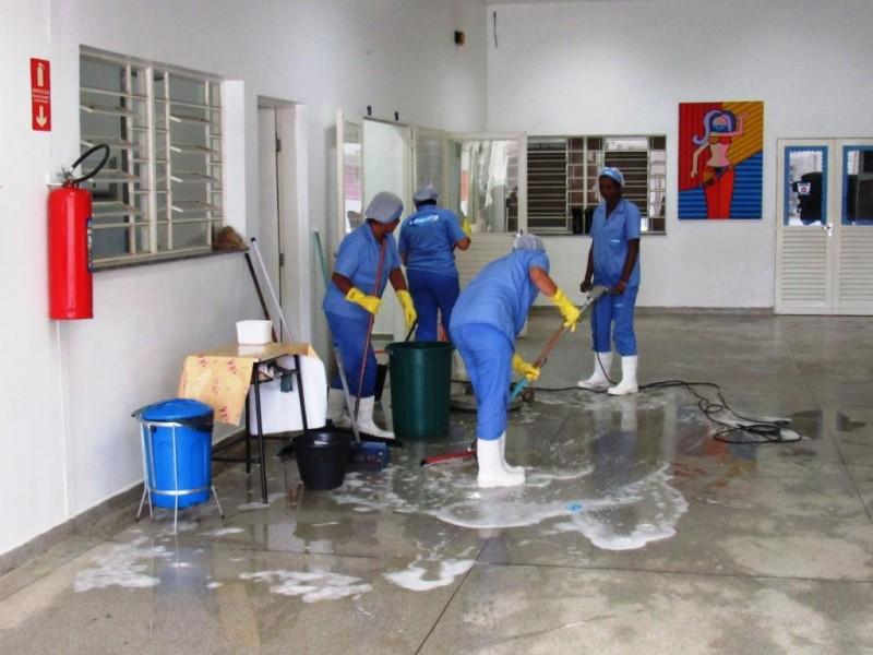 Auxiliar De Limpeza - Escola