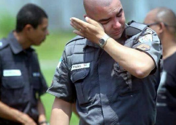 Revolta-policial-696x495